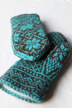 Ravelry: ItalianDishKnits' Northman Mittens, turquoise