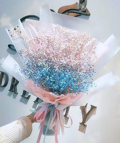 Babys Breath Flowers, Flower Arrangements Simple, How To Wrap Flowers, Flower Packaging, Luxury Flowers, Flower Tea, Spring Blooms, Flower Aesthetic, Flower Bouquet Wedding