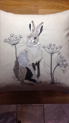 Applique Cushions, Applique Quilt Patterns, Applique Templates, Wool Applique, Free Motion Embroidery, Embroidery Applique, Textiles, Rabbit Art, Bunny Art