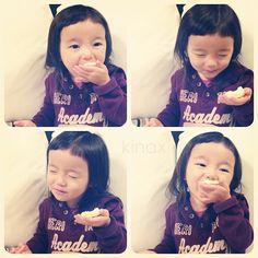 "*  She's eating the sweets of daddy's souvenir  ""Hmm it's really goood""  *  今日はパパが日帰り出張で、お土産に買ってきてくれたスイーツを頬張るちびっこw  *  これ、無言なんだけど、  おーいしー!なのかなʕु•̫͡•ʔु w  面白すぎるw  *  #親バカ部 #children #kids #ぱっつん - @kinax- #webstagram"