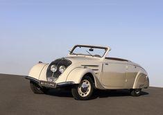 1937 Peugeot 402L Eclipse Retro Cars, Vintage Cars, Antique Cars, French Classic, Classic Cars, Peugeot 202, Peugeot France, Automobile, Classic Motors
