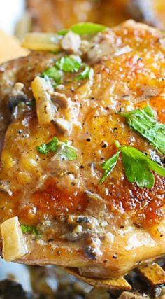 Chicken in Mushroom Onion and Garlic Sauce