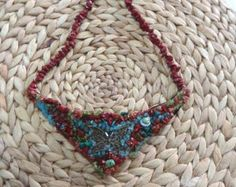 Large chain / necklace of cream of rust to turquoise  Stairs connected in beads strands. Centrally located a glass cabochon Art Nouveau image.  Thus, you can post a statement.  Beading work 18 cm wide, 10 cm high Overall length approx 50 cm