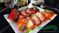 Aperitiv cu Ardei Umplut cu Branza Caprese Salad, Sushi, Ethnic Recipes, Food, Meals, Yemek, Insalata Caprese, Eten