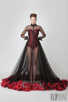 Jean Louis Sabaji Primavera-Estate 2015 - Alta moda - http://it.flip-zone.com/fashion/couture-1/independant-designers/jean-louis-sabaji-5614