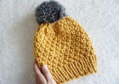 Knitted Hats, Winter Hats, Knitting, Diy, Handmade, Style, Salsa, Yoga, Christmas