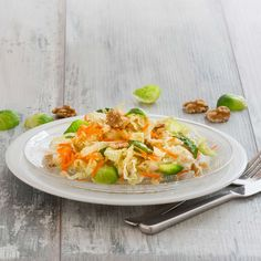 Spitzkohlsalat Foto: Andrea Segbers Thai Red Curry, Ethnic Recipes, Food, Spice, Cooking Recipes, Meal, Essen, Hoods, Meals