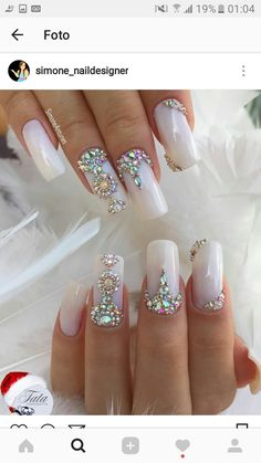 Nails design gel ring finger ideas for 2019 Swarovski Nails, Crystal Nails, Rhinestone Nails, Bling Nails, Glitter Nails, Gel Nails, White Nail Designs, Gel Nail Designs, Fabulous Nails