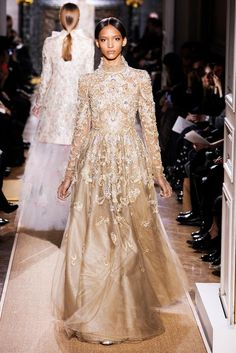 VALENTINO — Spring 2012 Couture