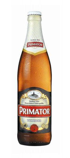 Cerveja Primátor Weizenbier, estilo German Weizen, produzida por Pivovar Náchod a.s., República Tcheca. 5% ABV de álcool.