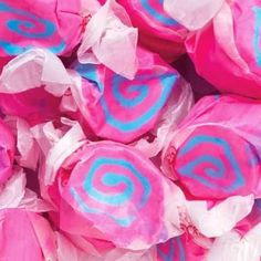 Cotton Candy Pink & Blue Gourmet Salt Water Taffy 1 Pound Bag by Taffy Town Blue Cotton Candy, Pink Candy, Cotton Candy Party, Chocolates, Taffy Candy, Laffy Taffy, Gourmet Salt, Salt Water Taffy, Pokemon