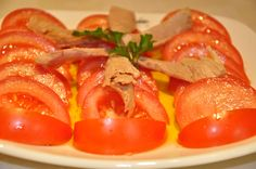 Ensalada de tomate con melva