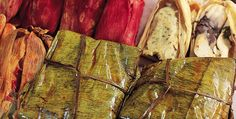 10 Recipes for Preparing Mexican Tamales Authentic Mexican Recipes, Mexican Food Recipes, Mexican Kitchens, Mexican Dishes, Wrap Recipes, Pork Recipes, Yummy Wraps, Homemade Tamales, Real Mexican Food