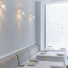 Salle décoration ambiance - Cave et carte des vins - Restaurant Kei