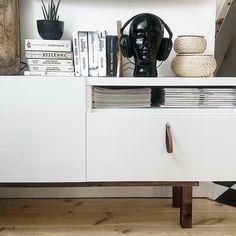 IKEA HACK czyli jak spędzamy niedzielne popołudnia  Szafka pod TV BESTA, rama…