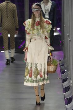 Gucci Fall 2017 Ready-to-Wear Fashion Show Collection