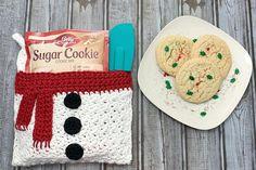 Snowman Kitchen Towel - Free Crochet Towel Pattern Snowman Kitchen Towel - Free Crochet Towel Pattern - A Crocheted Simplicity. Crochet Kitchen Towels, Crochet Towel, Crochet Scarves, Crochet Hooks, Dishcloth Crochet, All Free Crochet, Single Crochet, Easy Crochet, Crochet Things