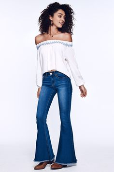 66419c3c1d4577 10 Essential Pieces Every Girl Needs In Her Closet This Fall