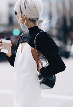Fantastic womens fashion are offered on our internet site. Have a look and you wont be sorry you did. Fashion Details, Look Fashion, Autumn Fashion, Fashion Outfits, Fashion Design, Fashion Trends, Womens Fashion, Look Street Style, Street Chic