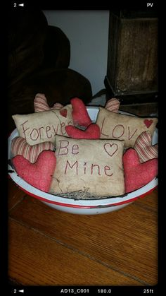 primitive Valentin pillow tucks, heart bowl fillers, Valentines Day decor, OFG, FAAP, primitive Valentine ornies, prim Valentine tucks by Nanasgrungyprims on Etsy