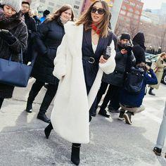 Street style da blogueira Aimee Song na NYFW.