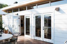 Tiny Backyard House, Tiny Guest House, Prefab Guest House, Guest House Plans, Backyard Cottage, Backyard Studio, Backyard Sheds, Tiny House Plans, Small Guest Houses