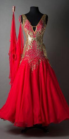 SMOOTH / STANDARD – DORÉ DESIGNS Latin Dance Dresses, Ballroom Dance Dresses, Ballroom Dancing, Beautiful Gowns, Beautiful Outfits, Pretty Outfits, Pretty Dresses, Dance Outfits, Costume Design