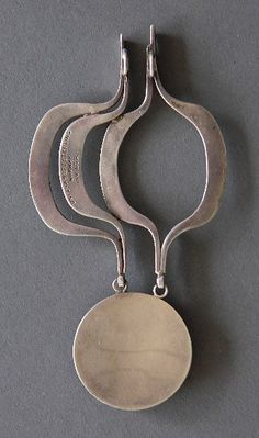 David Anderson sterling stylized pendant, marked '9255 Sterling Norway inv. L.S.R.' (Designer Liv Solnor Rogan), some tarnishing and scratch on stone. 4 3/8'' Liv Solnør Rogan
