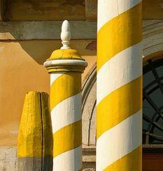 yellow and white stripes