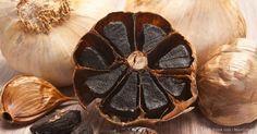 Así como otras plantas, el ajo contiene una amplia variedad de fitocompuestos que producen un gran número de respuestas en su cuerpo. http://articulos.mercola.com/sitios/articulos/archivo/2014/05/17/ajo-negro.aspx