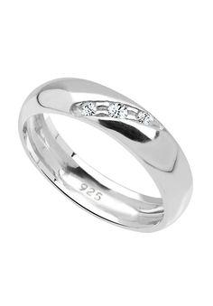 """Wunderschöner klassischer Silberring aus feinem 925er Sterlingsilber, besetzt mit 3 Kristallen (2 mm + 1.5 mm) von Swarovski in CRYSTAL, einem strahlenden Weiß.  Weitere Hilfe zur Ringgröße:  Angegebene Größe in mm entspricht """"Ring Innen-Umfang"""", Umrechnung in """"Ring Durchmesser Ø"""" wie folgt:  52mm Umfang = 16,5mm Ø 54mm Umfang = 17,2mm Ø 56mm Umfang = 17,8mm Ø 58mm Umfang = 18,4mm Ø  Produktdet..."""