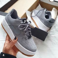 Shop Women's Nike Gray size 10 Sneakers at a discounted price at Poshmark. Cute Sneakers, Girls Sneakers, Best Sneakers, Sneakers Fashion, Fashion Shoes, Shoes Sneakers, Chucks Shoes, Nike Fashion, Fashion Outfits