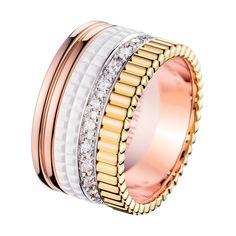 キャトル ホワイト ダイヤモンドリング ラージ, a Maison Boucheron Jewelry creation. A Boucheron creation tells a Story, that of the Maison and your own.