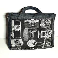 Un Foxtrot de Sacôtin, en jean léger, jacquart appareils photo vintage et coton imprimé véhicules rétro. #sacamain #Sacotin #faitmain #fabriquéenfrance