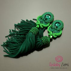 Green soutache earrings Emerald II, green tassel earrings, long tassel earrings, boho earrings, statement earrings, beaded tassel earrings Emerald Earrings - Green Earrings - Soutache Jewelry - Oriental - Exotic - Extravagant - Unusual - Soutache Embroidery - Dangle Earrings - Soutache Braid - Earrings - Jewelry - Earrings in Handmade - Jewelry in Handmade - Handmade Fashion - Glamour - For Her - Gift Ideas Beautifully shining on the ear, they add a very special charm of each styling. Only…