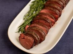 Get Summer Filet of Beef with Bearnaise Mayonnaise Recipe from Food Network Ina Garten Beef Tenderloin, Bernaise, Food Network Recipes, Food Processor Recipes, Beef Recipes, Cooking Recipes, Game Recipes, Wing Recipes, Party Recipes