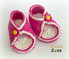 Watch those little toes peeking through these adorable sandals. The soles are doubled and the sides wrap around the foot and close with a button for a perfect fit. I like the slip stitch surface stitching for a little pizzazz. Add a decorative button for a really cute finish. Perfect for both boys and girls!