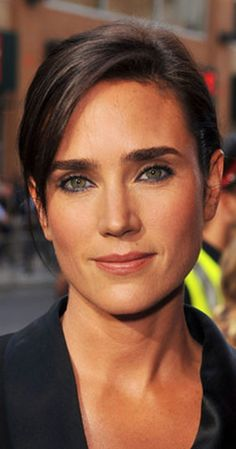 TIL the voice of Spider-Man' Suit in Homecoming is provided by Jennifer Connelly, wife of Paul Bettany (Jarvis/Vision) Hottest Female Celebrities, Hollywood Celebrities, Celebs, Paul Bettany, Classic Actresses, Beautiful Actresses, Jennifer Connelly Rocketeer, Jennifer Connelly Requiem, Jennifer Connoly
