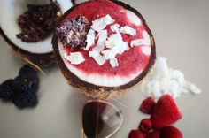 Berries on berries on berries this summer! Drooling over this berry smoothie coconut bowl while dipping a big chunk of Supernola Berries & Créme . . . . . . #instafood #foodie_features #healthy #instadaily #healthspo #nutrition #cleaneating #paleolifestyle #paleolife #eatclean #glutenfree #grainfree #allnatural #dairyfree #fitfam #fitfood #fitfoodie #healthyeah #healthspo #wholefoodies #igfood #healthyeats #fitfluential #huffposttaste #feedfeed #smoothiebowl #superfoods || Fuel Smarter…