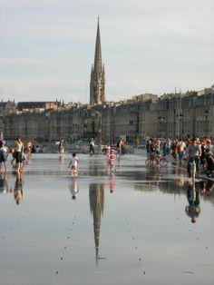Miroir d'eau // Bordeaux (France)  #miroir #eau #Bordeaux