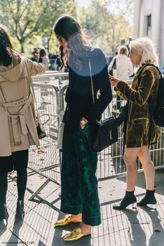 pfw-paris_fashion_week_ss17-street_style-outfit-collage_vintage-louis_vuitton-miu_miu-48