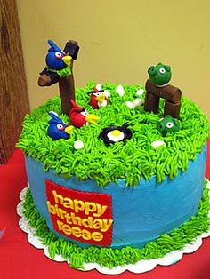 More angry birds party ideas: I love the grass frosting