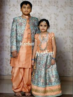 Sparkling Fashion Source by rdivireddy Blouses Indian Dresses For Kids, Mom And Baby Dresses, Kids Indian Wear, Kids Ethnic Wear, Baby Boy Dress, Dresses Kids Girl, Kids Outfits, Baby Dress Design, Baby Girl Dress Patterns