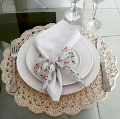 Napkin Know How... Folding, placement, color combination ideas. Napkin ring ideas and types.