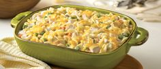 Comforting casserole recipes are great to bring the family together. Hearty Chicken & Noodle Casserole is loaded with chicken, mixed veggies, noodles and a whole lot of cheese. And the best part is that you can make the entire dinner casserole in les Chicken Noodle Casserole, Casserole Dishes, Casserole Recipes, Tuna Noodle, Tuna Casserole, Stuffing Casserole, Noodle Soup, Campbells Recipes, How To Cook Chicken