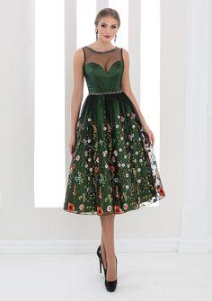 White Lady - colectia de rochii de seara 2016 Evening Dresses, Prom Dresses, Wedding Dresses, Casual Dresses, Formal Dresses, Portraits, Casual Looks, Dress Shoes, Womens Fashion