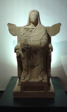 Dama sedente, s.IV a.C. // Seated Lady, 4th Century BC. Museo de La Alcudia #Elche