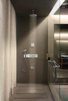 Designer bathroom brand Axor by Hansgrohe has teamed up with Antonio Cittero to present the new AXOR Citterio E. Bad Inspiration, Bathroom Inspiration, Plumbing Fixtures, Bathroom Fixtures, Modern Bathroom, Master Bathroom, Douche Design, Wall Outlets, Shower Systems