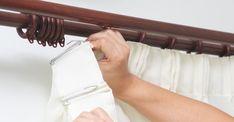 Cette maman a trouvé comment désencombrer sa maison à l'aide de simples tringles à rideaux