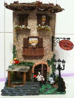 Momycreazioni di M. Focà - Tegole decorate Clay Houses, Ceramic Houses, Polymer Clay Miniatures, Dollhouse Miniatures, Kites Craft, Diy And Crafts, Paper Crafts, Tile Crafts, Fairy Garden Houses